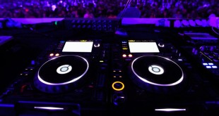 Cheap DJ Speakers - How to become a DJ