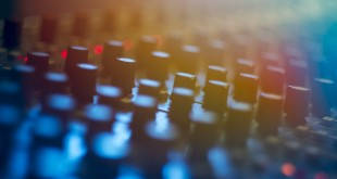 Producing-Music-How-to-Become-a-DJ
